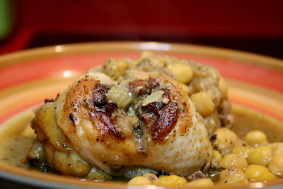 Chicken Kdra with Almonds and Chickpeas