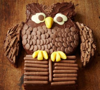 Chocolate cake as an owl