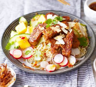 Noodle salad with sticky tempeh, mango & lime