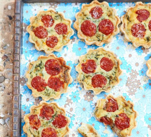 Roasted tomato & pancetta picnic quiches